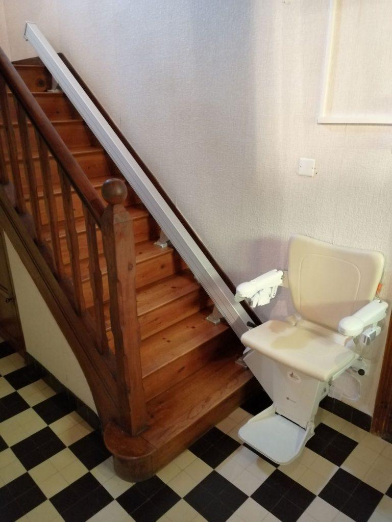 Monte escalier éléctrique droit à Morlaix