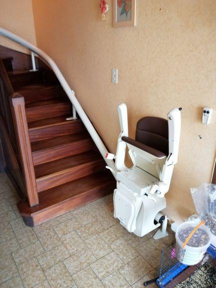 Monte-escalier courbe à Trefflean prêt de Vannes